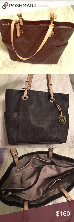 ❗️SALE: Michael Kors | jet set logo tote •Michael Kors jet set large logo tote •perfect condition/barley used  •no longer sold anywhere ‼️ •full description in photos  •ton of storage/perfect work tote Michael Kors Bags Totes