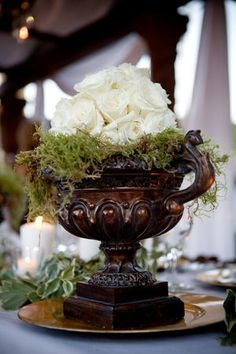 Urn, roses and moss...BEAUTIFUL!  SIMPLE,  CLASSIC,  AND ELEGANT....SHOULD BE IN EVERY ROOM!   ♥A