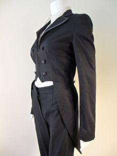 ZATANA--120 BPS Vintage Women's Tailcoat with Magenta Purple Lining violetsbox.com