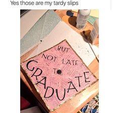 this is a hilarious graduation cap idea. Funny Graduation Caps, Graduation Cap Designs, Graduation Cap Decoration, Graduation Diy, Grad Cap, High School Graduation, High School Seniors, Cap Decorations, Lol