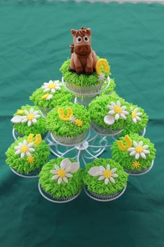 Caballos Cakes sper KAWAIIS Pinterest Cup cakes and Birthdays