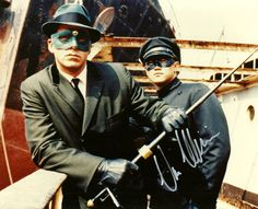 """The TV show """"The Green Hornet"""" and his sidekick Kato added a new pair superheroes to the boob tube. Actors Van Williams and Bruce Lee Bruce Lee Photos, Kung Fu, Detective, Tv Theme Songs, Actor Secundario, Film D'action, Tv Themes, Green Hornet, Brandon Lee"""