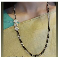 Fancy Jewellery, Gold Jewellery Design, Gold Jewelry, Jewelery, Pearl Necklace Designs, Jewelry Design Earrings, Gold Mangalsutra Designs, Indian Jewelry Sets, Simple Jewelry