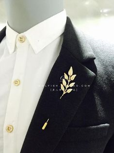 Trend Fashion, Men's Fashion, Fashion Outfits, Brooch Men, Collar Clips, Mens Fashion Suits, Gentleman Style, Luxury Jewelry, Menswear