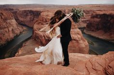 Engagement photo at horseshoe bend, AZ