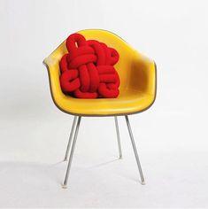 quero a cadeira e a almofada!!!