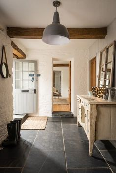 Luxury holiday barn Fowey, Willow Moon Barn Golant nr Fowey (love the flooring) Slate Flooring, Kitchen Flooring, Slate Floor Kitchen, Slate Tiles, Flagstone Flooring, Wood Tiles, Parquet Tiles, Grey Tiles, Concrete Floor