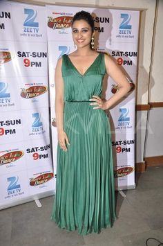 Parineeti Chopra at the Promotion of Hindi movie 'Hasee Toh Phasee' on the sets of Dance India Dance in Famous Studios in Mumbai Bollywood Celebrities, Bollywood Actress, Hasee Toh Phasee, Parneeti Chopra, India People, Beautiful Indian Actress, Beautiful Women, Priyanka Chopra, Summer Dresses