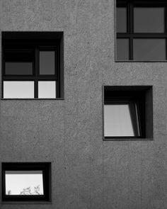 Huecos y más huecos... pero ¿y el forjado? Fácil, nuestra casa Cuarto y Mitad se resuelve en medias plantas. #architecture #arquitectura #arq #architectureporn #architecturelovers #archilovers #architecturephotography #spain #españa #galicia #acoruña #home #casa  Para ver esta casa, y muchas cosas más entra en www.somaa.es