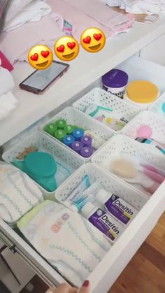 Easy Nursery Organization Ideas and Drawer Organizers - Baby Supplies Baby Nursery Organization, Room Organization, Changing Table Organization, Organizing Baby Clothes, Baby Bottle Organization, Nursery Storage, Organizing Baby Dresser, Organize Nursery, Diaper Organization