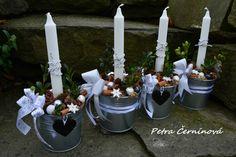 Vánoční+svícen-2+ks+Svícen+ze+2+svícnů+v+plechové+dóze.+Velikost+12+cm,+výška+cca+15cm+(bez+svíčky).+Svícen+lze+použít+jako+adventní+svícen+nebo+darovat+jednotlivé+dózy+jako+vánoční+pozornost. Advent, Candles, Christmas, Xmas, Candy, Navidad, Noel, Candle Sticks, Natal