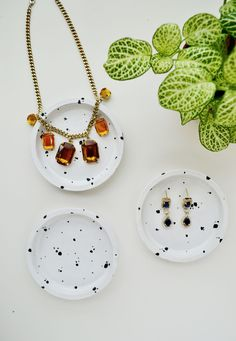 DIY Speckled Jewelry Dish from Coasters