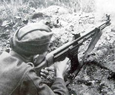 A German soldier armed with an Mkb.42(H) assault rifle