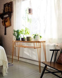 Rattan Furniture, Vintage Furniture, Furniture Design, Little Dream Home, My Dream Home, Living Room Inspiration, Interior Inspiration, Home Pub, Retro Home Decor