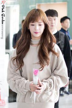 seven springs of apink ♡ South Korean Girls, Korean Girl Groups, Pretty Woman, Pretty Girls, Seven Springs, Korean Music, Baekhyun, Asian Beauty, Pink