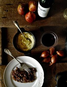 Foie de Veau a la Lyonnaise - 2 calf liver recipes Famous French Dishes, Classic French Dishes, French Food, French Style, Liver Recipes, Meat Recipes, Cooking Recipes, Calves Liver, Liver And Onions