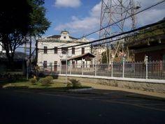 Barra do Piraí Através de Fotos: ESTAÇÃO FERROVIÁRIA  Foto: 07 de julho de 2006, às 12:50. Vista panorâmica da Estação Ferroviária de Barra do Piraí. Tirada a partir do final da Rua Aureliano garcia, no Centro da cidade.