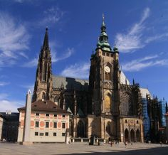 7 Best places to visit in Prague, Czech Republic. <--- I'm only 4 for 7. Guess I'll have to go again. XD