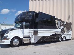Equine Motorcoach ... '' i love this""