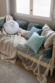 Arabesque cushion cover Blue \ 2,500 FHR pleated cushion cover light blue \ 3,000 / Francfranc
