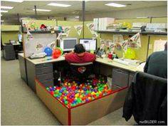 Best Office desk birthday decorationshahaha gotta do this