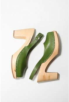Great green summer shoe!:)
