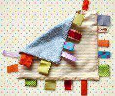 couture fabriquer un doudou http://www.grandiravecnathan.com/couture/le-doudou-a-mordiller.html