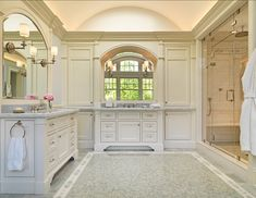 Lovely traditional bathroom