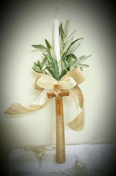 Read information on candles decorating vintage Check the webpage to read more. Baptism Craft, Baptism Candle, Baptism Party, Burlap Candles, Diy Candles, Baptism Decorations, Christmas Decorations, Communion Decorations, Candle Arrangements