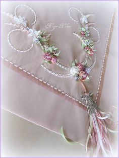Wonderful Ribbon Embroidery Flowers by Hand Ideas. Enchanting Ribbon Embroidery Flowers by Hand Ideas. Silk Ribbon Embroidery, Crewel Embroidery, Floral Embroidery, Embroidery Patterns, Ribbon Art, Ribbon Crafts, Band Kunst, Before Wedding, Brazilian Embroidery