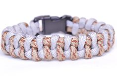 """Make the """"Intertwinded Boa"""" Paracord Survival Bracelet - BoredParacord"""