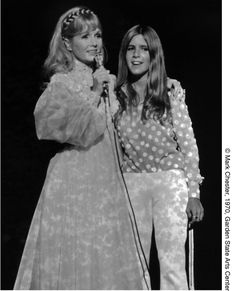 Debbie Reynolds and Carrie Fisher, Garden State Arts Center, NJ — Mark Chester Photography Carrie Fisher Young, Carrie Fisher Daughter, Carrie Frances Fisher, Carrie Fisher Billie Lourd, Debbie Reynolds Carrie Fisher, Star Wars Cast, Celebrities Then And Now, Old Hollywood, Hollywood Stars