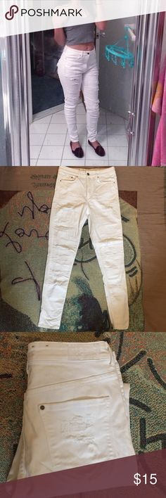 High Waisted Skinny Jeans H&M high waisted ripped skinny jeans! These babies don't fit me anymore. Open to all offers. Jeans Skinny