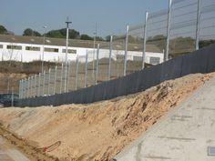 Malla Plegada-valla para todo: jardines, piscinas, viviendas, naves, colegios, deportes. http://www.vinuesavallasycercados.com/