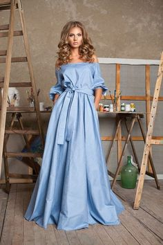 Pictures available on request long dress with odor pattern