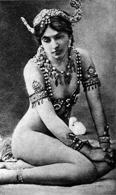 Mata Hari 1907