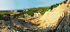 Ayas antik kenti/Yumurtalık/Adana/// Aigea (Ayas-Yumurtalık), kuzeyinde M.Ö. 4. yüzyılın son   çeyreğinde Büyük İskender'in Pers İmparatoru Dara'yı bugünkü İskenderun ile Dörtyol arasında kalan ovada yenmesinden sonra Büyük İskender'in halefleri olan Makedonyalı komutanlar, tarafından bir liman şehri olarak kurulmuştur.