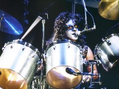 Eric Carr, Kiss Pictures, Paul Stanley, Gene Simmons, Drums, Music Instruments, Demons, Legends, Babe