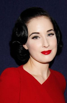 Dita Von Teese, always the best hair