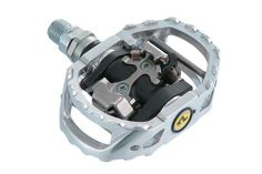 Shimano M545 Clipless SPD MTB Pedals . Adertocycles.com http://www.bicicentral.com/shimano-pd-m545-free-ride-pedals-silver.html