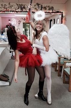 Top 18 Girl Best Friend Halloween Costume Design – Unique and Simple Vacation Costume – Halloween Costumes Disfarces Halloween, Halloween Costume Teenage Girl, Duo Halloween Costumes, Halloween Outfits, Homemade Halloween, Halloween Makeup, Group Costumes, Girl Duo Costumes, Dark Angel Halloween Costume
