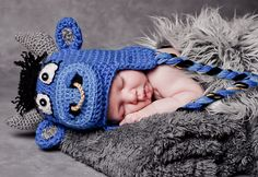 Ravelry: Ollie the Oxen Bull (Angry or Cute) All Sizes pattern by Boomer Beanies $4.99
