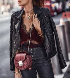 Contemporary chic with a romantic edge, Sequin is a NYC-based design studio known for distinctive, directional jewelry that transcends fast fashion. Bold Fashion, Fashion Over, Womens Fashion, Fashion Trends, Cheap Fashion, Looks Black, Edgy Style, Street Style, Fashion Stylist