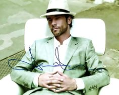 Jay Kay, Lead Singer of Jamiroquai… Style, Soul & Swag Jay Kay, Retro Fashion, Mens Fashion, Soul Singers, First Love, My Love, Kinds Of Music, How To Look Better, At Least