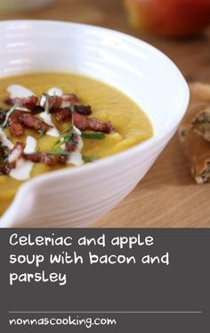 Eating apples give a sweet note to this root vegetable soup, topped with crisp pieces of bacon and crème fraîche. Swede Recipes, Parsley Potatoes, Sweet Notes, Root Vegetables, Creme Fraiche, Cheeseburger Chowder, Sour Cream, Apples