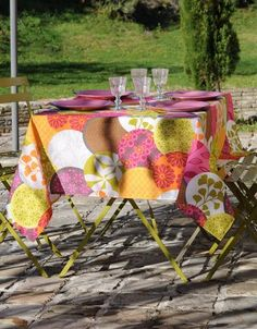 Stof - Nappe enduite à fleurs RONDONI - 100% Coton - Anis 50 Euro, Bed Curtains, Gift Wrapping, Table Decorations, Gifts, Home Decor, Fiber, Resin, Budget