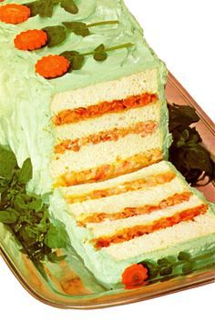 They were pretty creative with these VINTAGE RECIPES. Includes shrimp salad filling, cheese-pecan filling, and chicken-bacon filling.topped with green-tinted cream cheese 'frosting. Loaf Recipes, Sandwich Recipes, Cooking Recipes, Retro Recipes, Vintage Recipes, Vintage Food, Retro Food, Unique Vintage, Sandwich Loaf