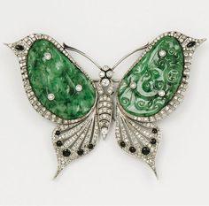 An Art Deco gold, enamel, jade and diamond 'Butterfly' brooch. #ArtDeco #brooch