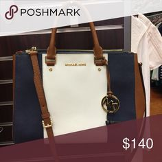 Michael kors handbag Like new Michael Kors Bags Shoulder Bags