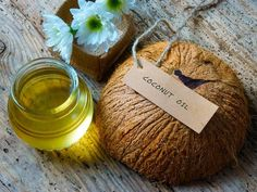 coconut oil for oil pulling dental hygiene regime with detox effect Coconut Oil Facial, Liquid Coconut Oil, Best Coconut Oil, Coconut Oil For Teeth, Coconut Oil Pulling, Coconut Oil Uses, Benefits Of Coconut Oil, Coconut Shampoo, Oils For Skin